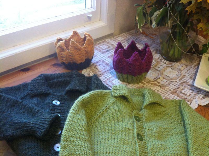 Twin Sweaters 012